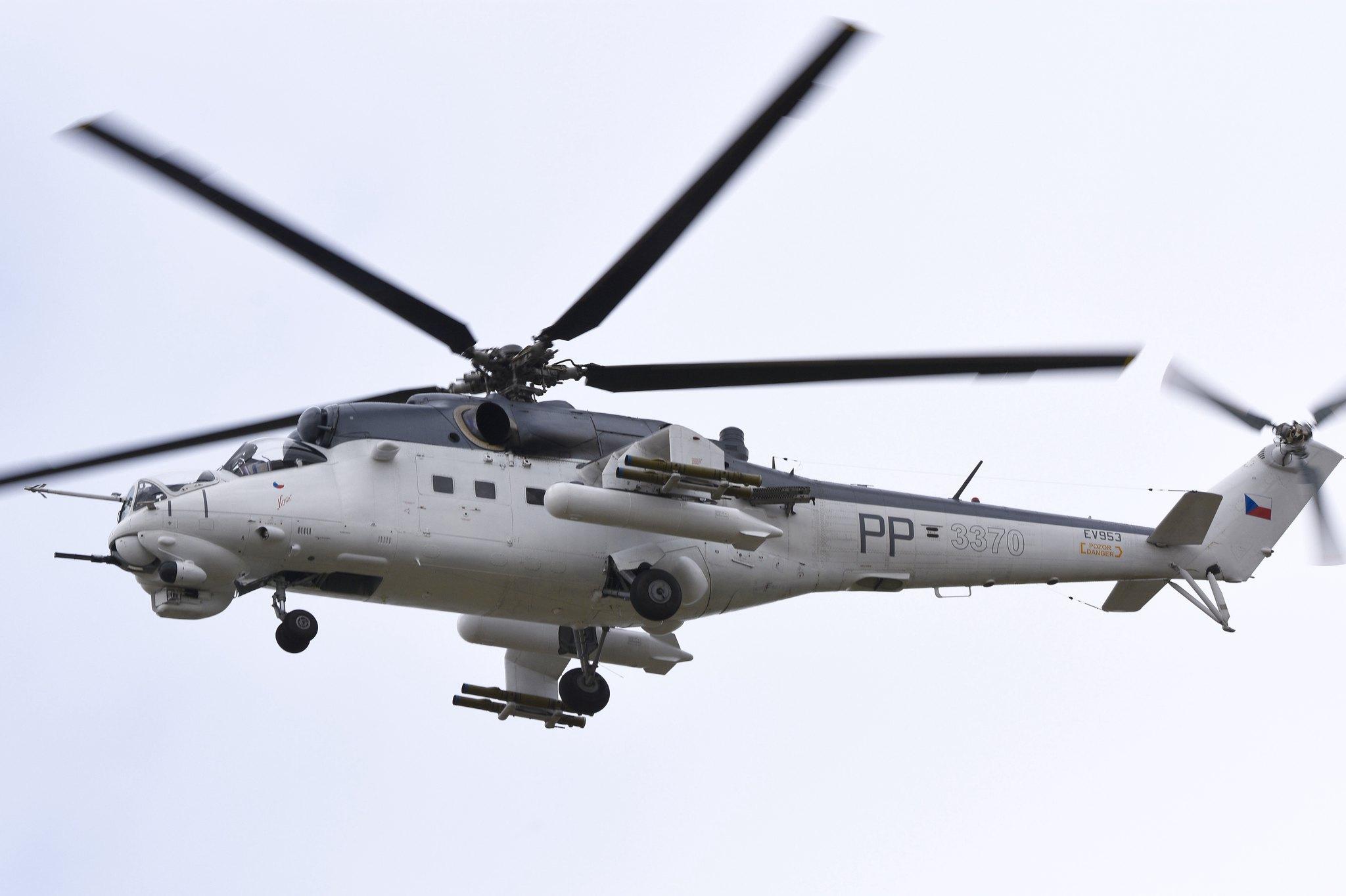 Mil Mi-24 Hind - Page 11 19098369134_c599f07ffa_k