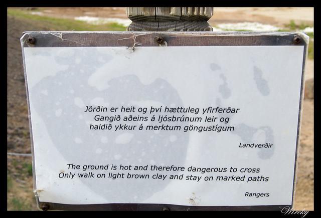 Cartel de peligro en Volcán Krafla