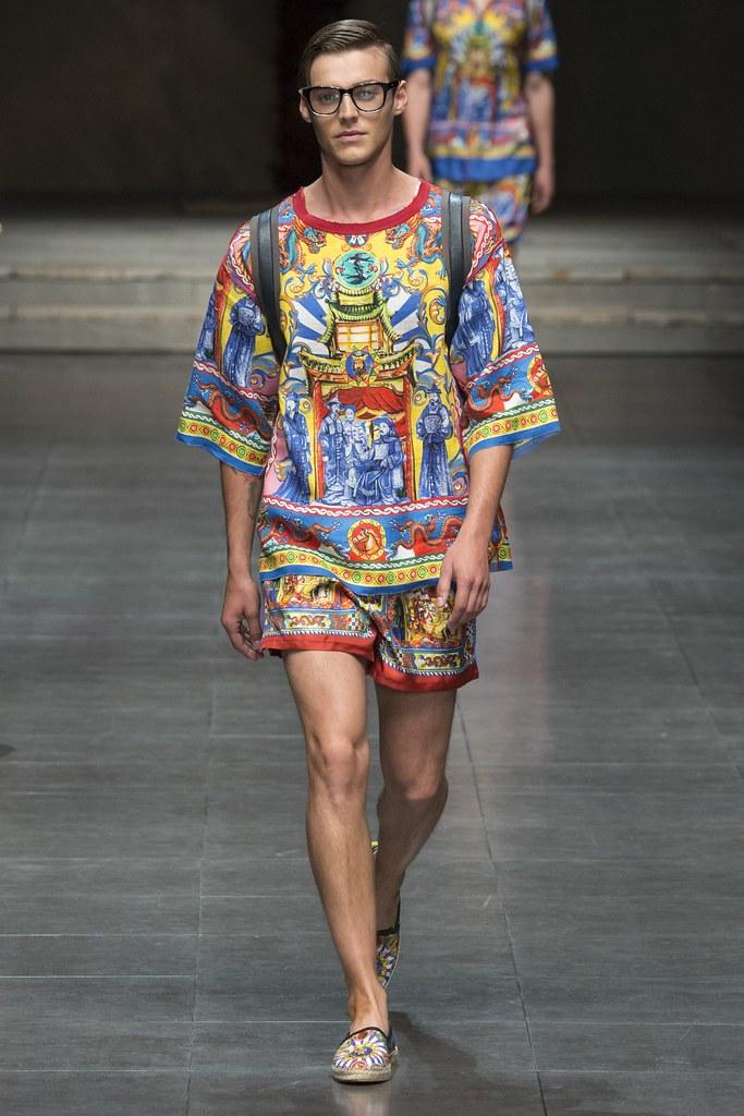 Robbie Wadge3735_SS16 Milan Dolce & Gabbana(VOGUE)
