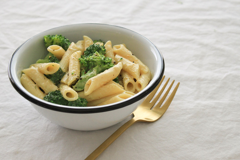CREAMY BROCCOLI & PASTA