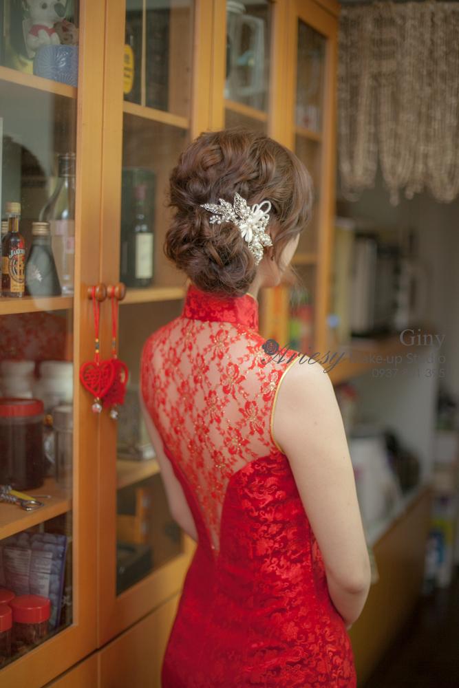Giny,愛瑞思造型團隊,台北新娘秘書,新娘秘書,清透妝感,蓬鬆盤髮,歐美手工飾品,旗袍造型,線條盤髮