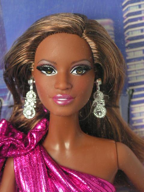 2014 The Barbie Look City Shine CJF52 (2)