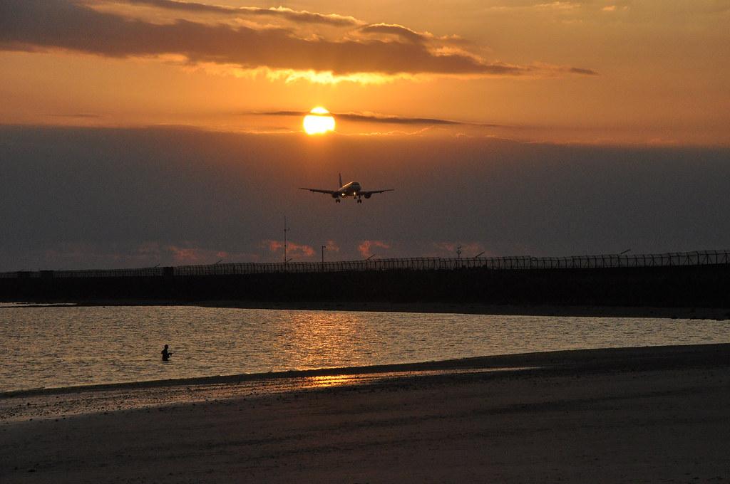 7. Kelan-Beach-Airplace-via Photo via- Flickr by Bandem Suandi