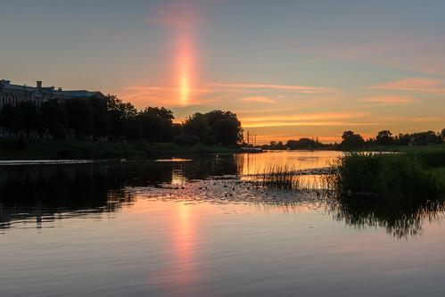 river dusk sunpillar jelgava krēsla jelgavaspils saulespīlārs