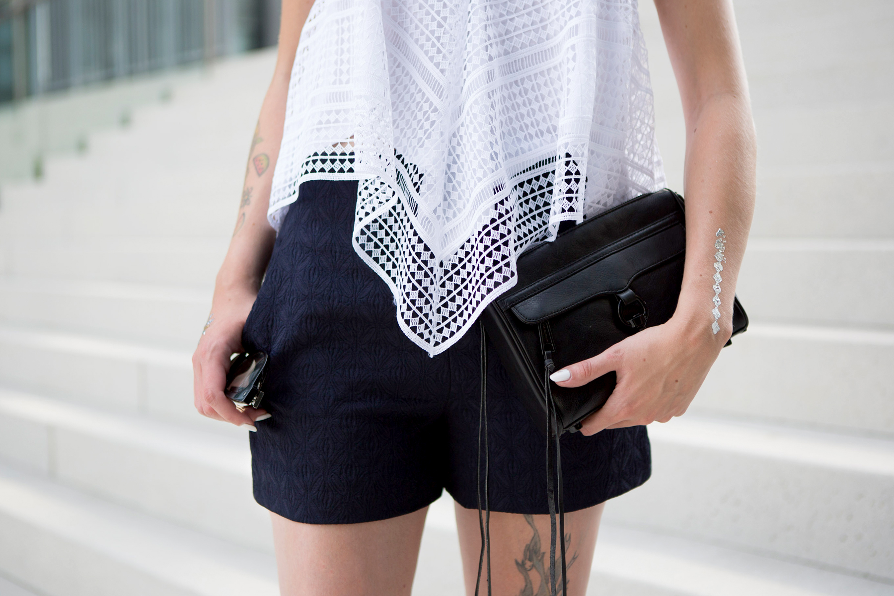outfit zara crochet top dark navy shorts fashion week berlin ss 2016 ootd lookbook styling minimal rebecca minkoff birkenstock prada ricarda schernus cats & dogs blog 5