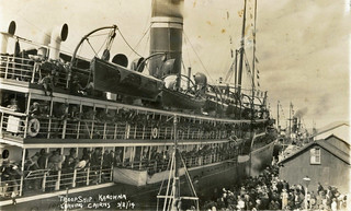 """Kanowna"" leaving Cairns wharf, Queensland - 9 Aug 1914"