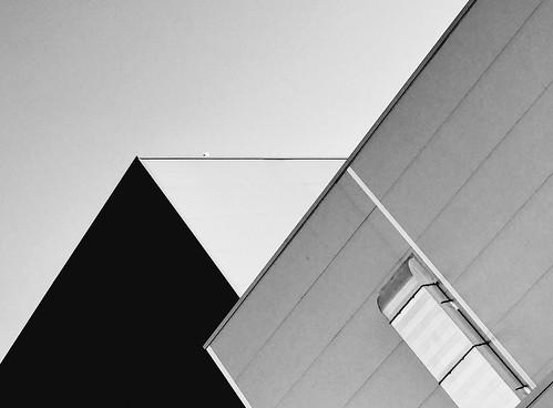 #blackandwhitephotography #bw #bnw #noir #geometry #arquitectura #blackandwhite #blackonblack #streetart #streetphotography # photographer #photos