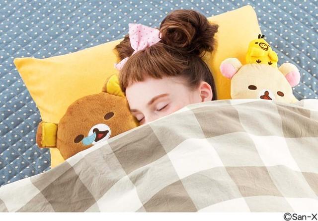 跟拉拉熊一起睡懶覺~ 拉拉熊的幸福陪睡娃娃枕套組~ リラックマ まくらカバー付き 至福の添い寝ぬいぐるみセットの会