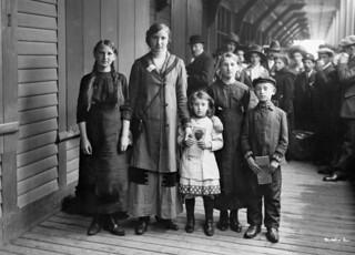 Russian Jewish immigrants / Immigrants juifs d'origine russe