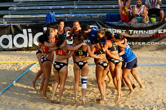 endurance sports(0.0), swimming(0.0), rugby union(0.0), beach handball(0.0), sports(1.0), team sport(1.0), beach volleyball(1.0), athlete(1.0), team(1.0),