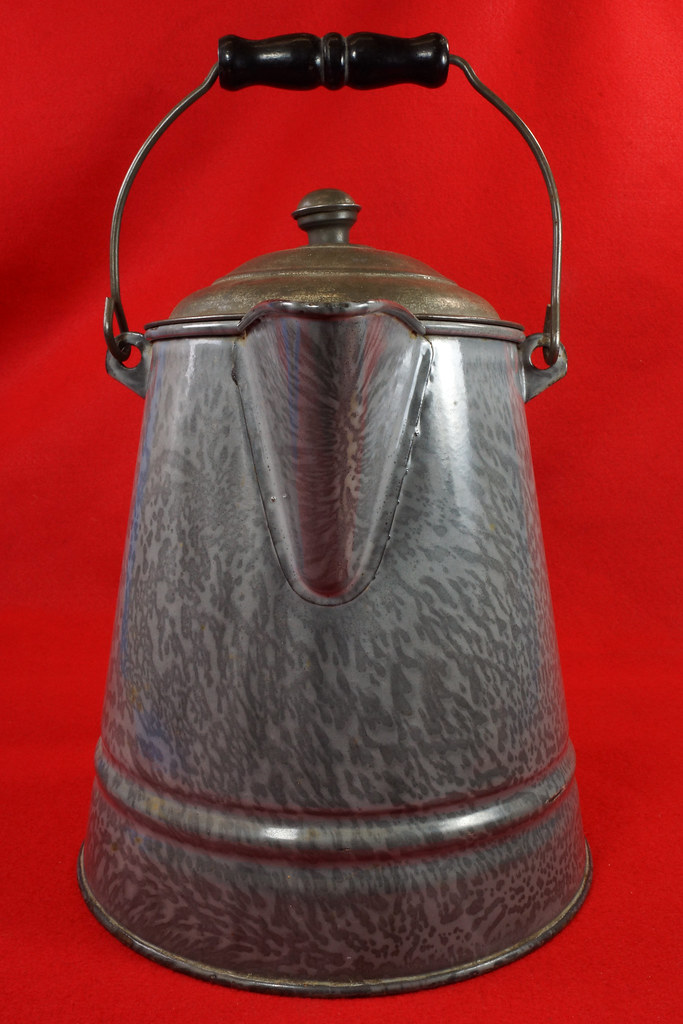 RD14935 Antique Large Gray Graniteware Coffee Pot with Lid & Black Wood Handle  DSC07529