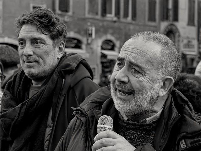In piazza per che la vita vale più di una frontiera. Intervento di Stefano Galiena.