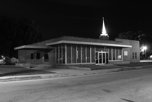 bw illinois bank nighttime freeburg
