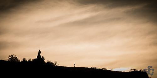 france silhouette statue ciel fr falaise franchecomté ornans autre viergemarie