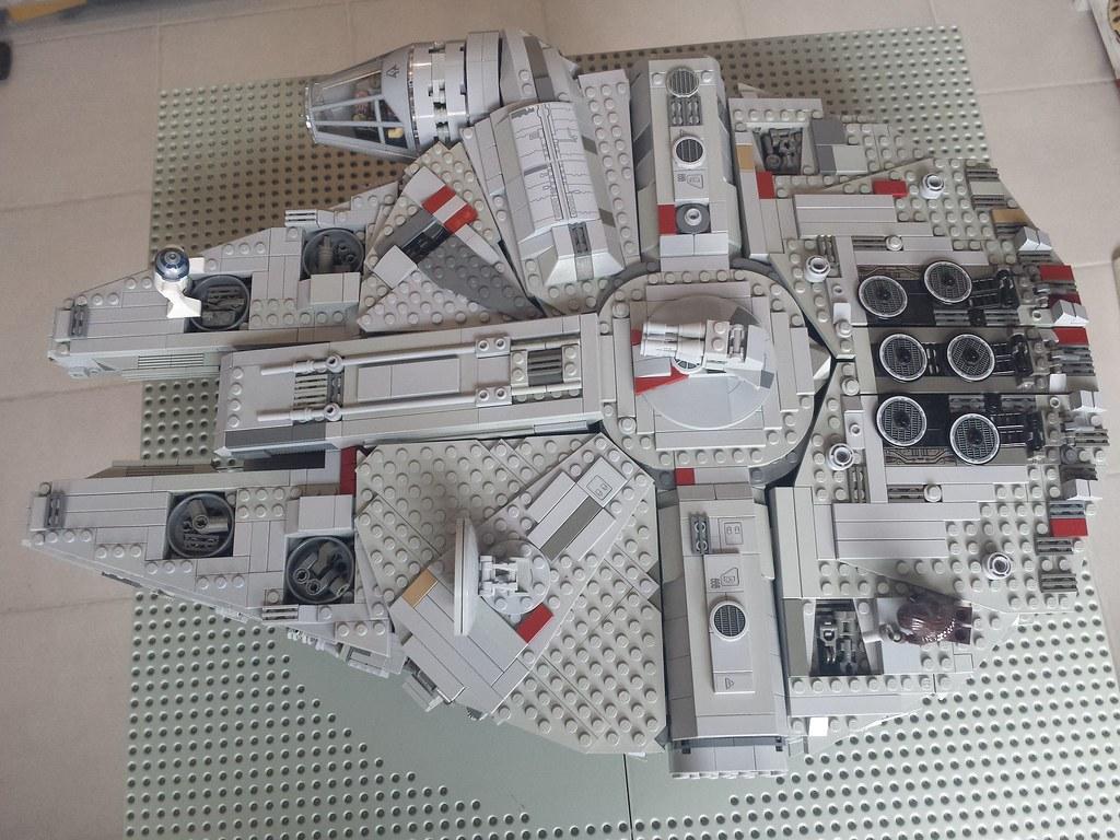 Lego Millennium Falcon top