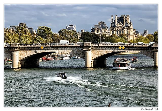 Paris_Seine_Pont Royal_Paris_Jardin du Palais Royal_1er Arrondissement