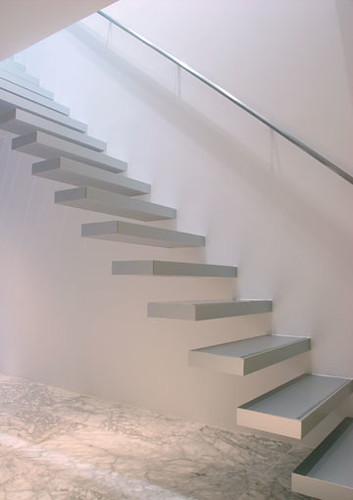 楼梯简历模板封面