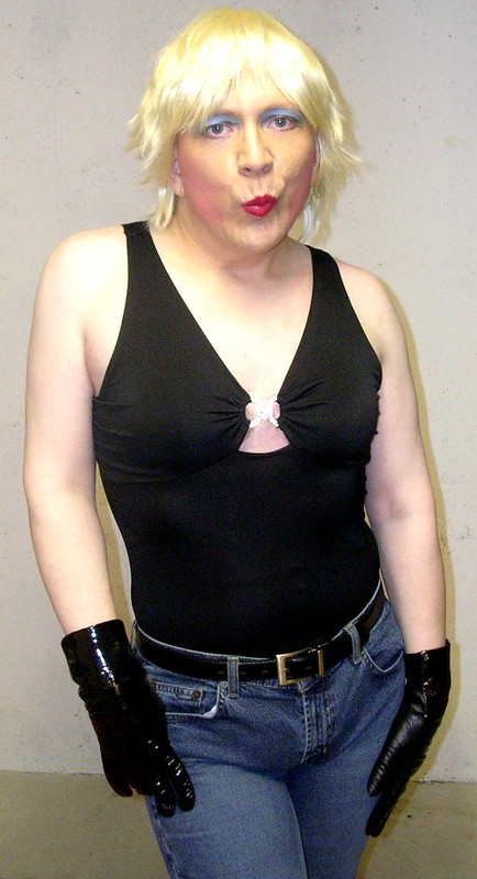 Black top w/ jeans and gloves