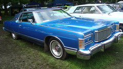 lincoln continental mark v(0.0), lincoln continental(0.0), automobile(1.0), automotive exterior(1.0), lincoln mark series(1.0), vehicle(1.0), full-size car(1.0), antique car(1.0), sedan(1.0), land vehicle(1.0), luxury vehicle(1.0), coupã©(1.0), convertible(1.0),