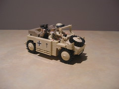 Lego Afrikakorps Kubelwagen Type 82 with Rommel