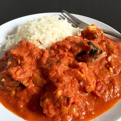 stew, curry, meat, bolognese sauce, food, korma, dish, cuisine, goulash,