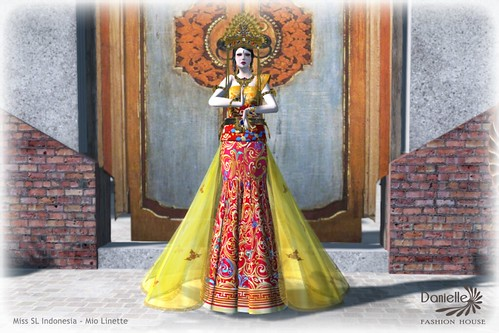 DANIELLE AD Dewi Sri with Mio Linette
