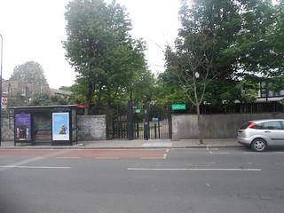 Elaine Grove) across to S,hmptn Row (w:gated 'prevented' access)