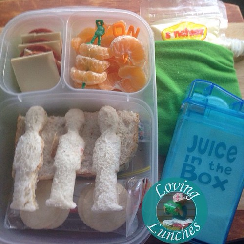 Loving this quick throw together lunch for Miss M today… despite being under the weather she insisted on going to school. I'm not sure how much of that has to do with show & share day, library day, sports day, or music day but she wasn't going to miss out
