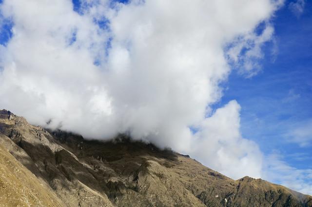 Montañas que se ven de camino a Machu Picchu