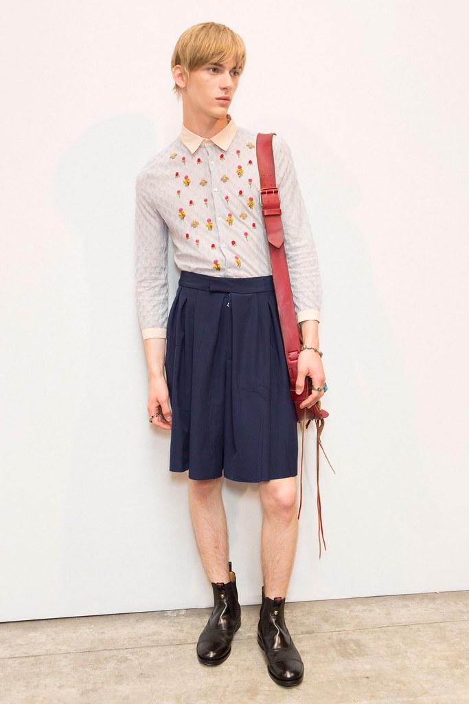 Dominik Sadoch3338_SS16 Milan Gucci(fashionising.com)