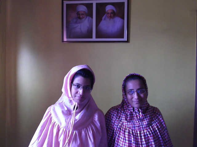 Zainab_sayyed_with_her_mother_farida_sayeed