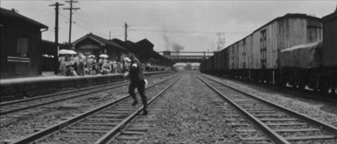 48-木村の代わりに峰山駅ホームのゆき子に会いに行く機関士崎山
