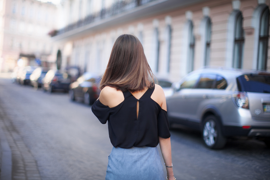 cold-shoulder-top-street-style-outfit