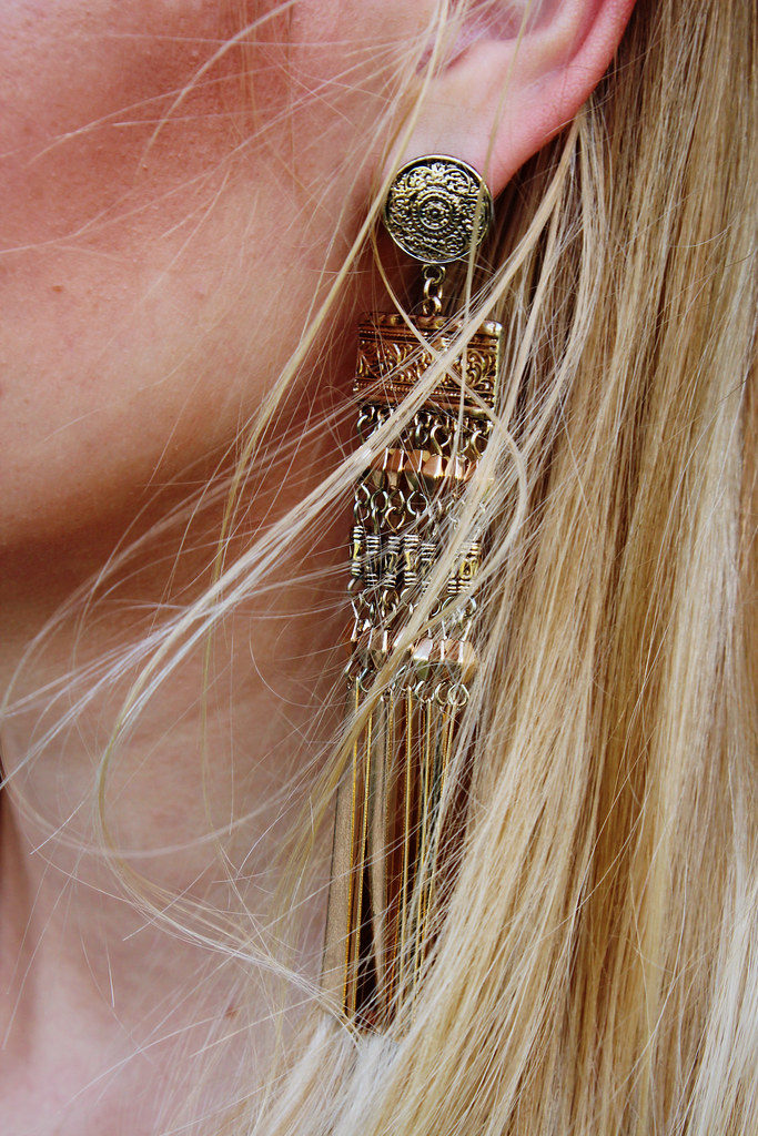 gold-earrings-H&M