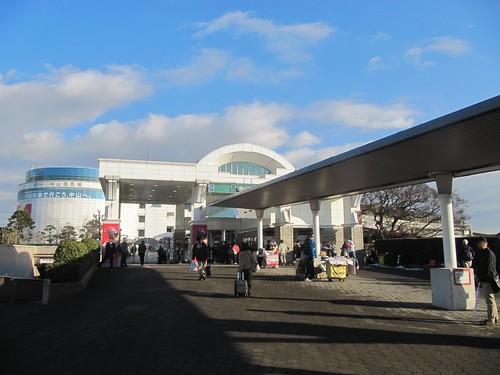 中山競馬場の南門
