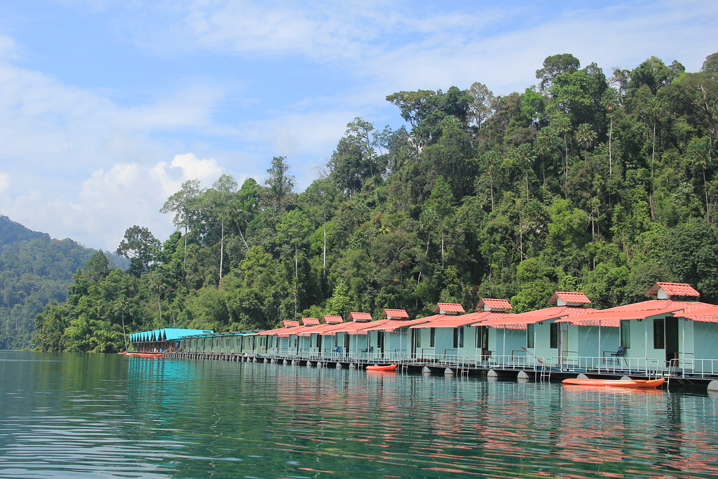 Smiley's Lakeside Bungalows, Cheow Lan Lake
