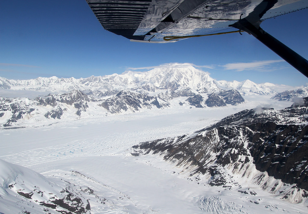 One of the most breathtaking experiences I have witnessed so far: flying at 10.000ft through the mountains near Mount Mc Kinley, the highest peak in North America. Amazing scenery with those glaciers, mountains and tons of ice.