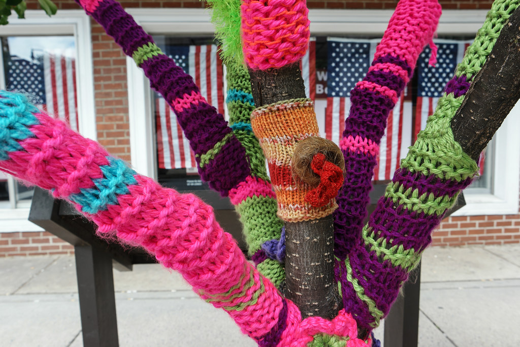 Knitted Trees and Flags
