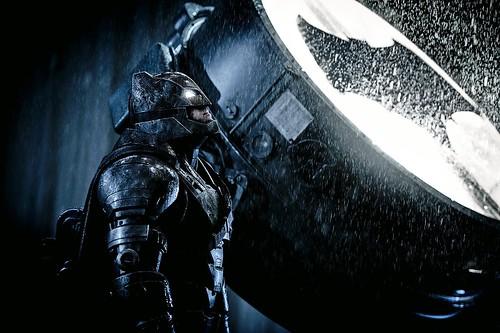 150729(2) - 三男主角新劇照出爐、DC電影宇宙第2部《蝙蝠俠對超人:正義曙光》台灣2016/3/25上映!