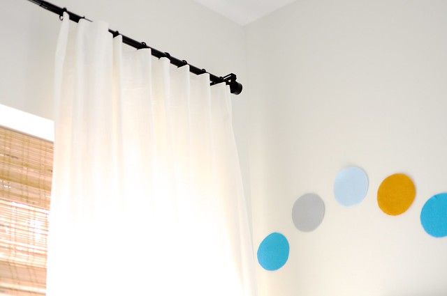 ritva curtain installation go haus go a diy and design blog by emily may. Black Bedroom Furniture Sets. Home Design Ideas