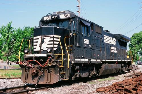 NS 561