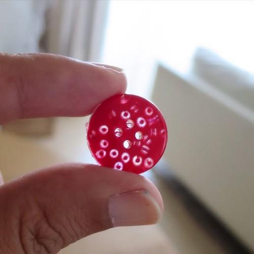 こんなボタン。手作り。