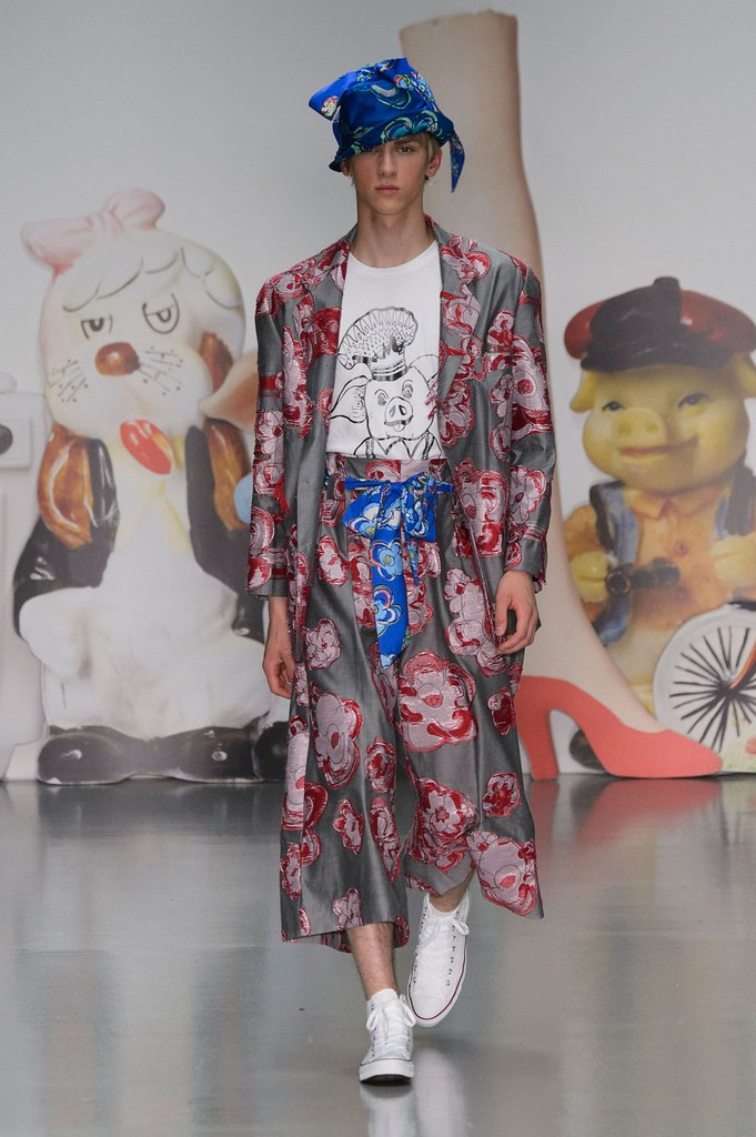 Dominik Sadoch3286_SS16 London Kit Neale(fashionising.com)