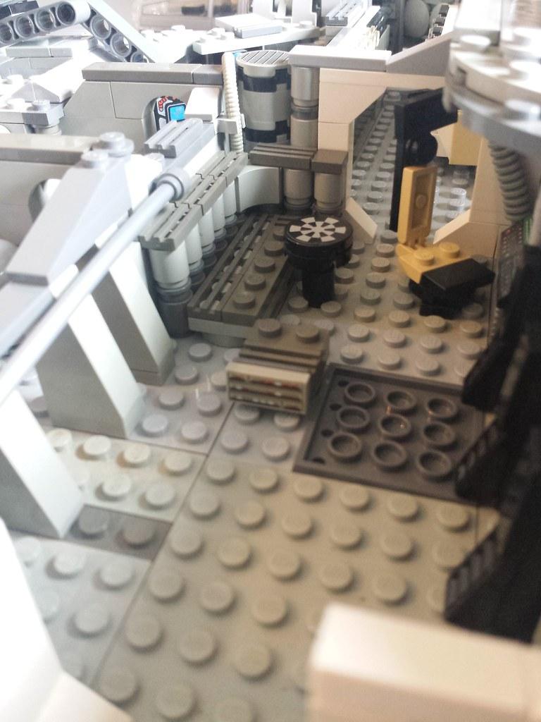 Lego Millennium Falcon interior main 3