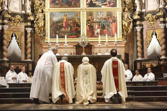 Acto de desagravio del Card. Cañizares en la Catedral de Valencia