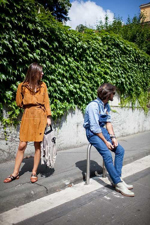 ダンガリーシャツ×オーバーオール×ブーツ