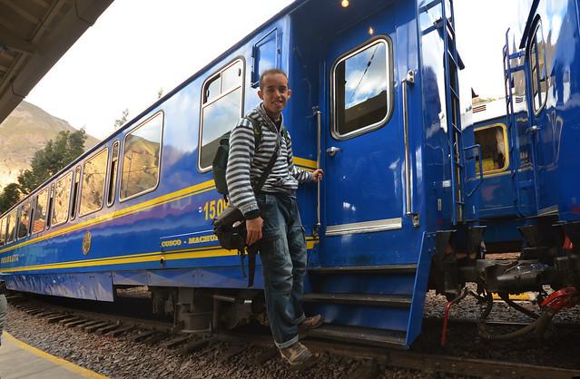 Junto al tren que va a Machu Picchu