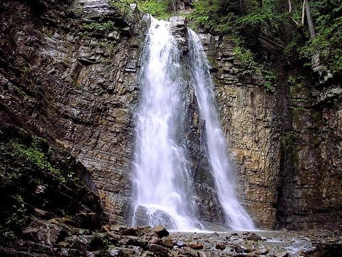 Манява водоспад