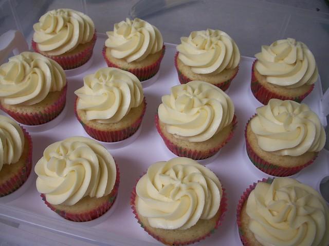mango strawberry cupcakes 6