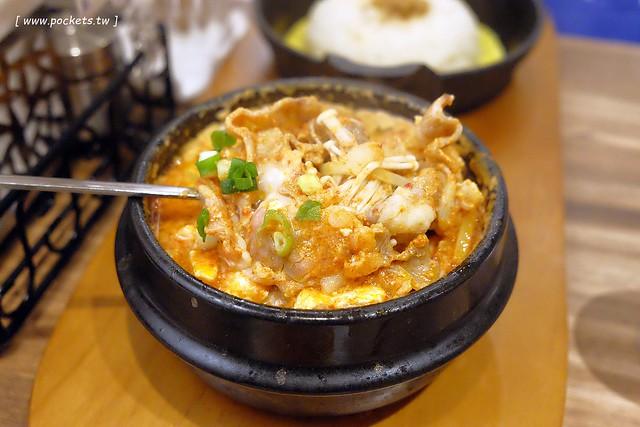 30957240693 5ed221d797 z - 北村豆腐家:重現百年韓屋味道,小菜5種可以免費續,還有多樣韓國國民排隊美食,中友百貨C棟B3